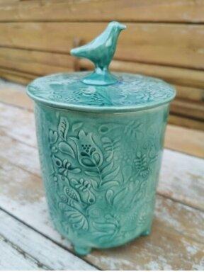 Keramikos dėžutė su paukšteliu