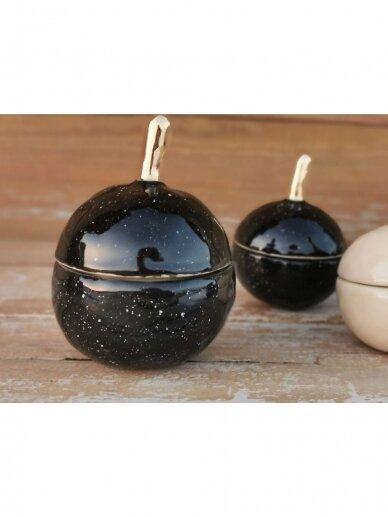 """Keramikos dėžutė """"Auksuotas juodas obuoliukas"""""""