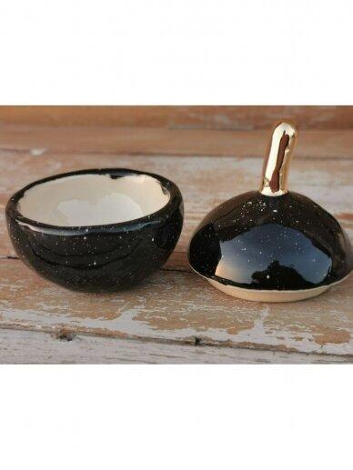 """Keramikos dėžutė """"Auksuotas juodas obuoliukas"""" 2"""